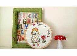 \'It\'s a Girl!\' New Baby Embroidered Hoop Art