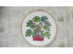 \'Monstera\' Embroidery Hoop Art
