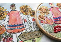 *NEW* Sunflower Girl Linen Embroidery Pattern